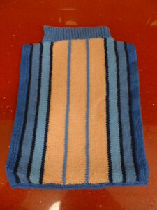 HOT WATER BOTTLE COVER,KNITTED,BLUE,HEAT,NIGHT,needs sewing together