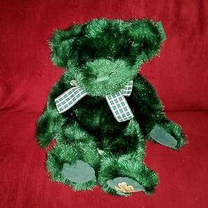 Russ Berrie DUBLIN St. Patrick's Day Teddy Bear Green Plush Shamrock Bow LNWT