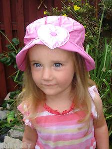 Girls Waterproof PVC Pink Heart Cloche Rain Hat Age 4-6 BNWOT