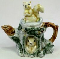 Squirrel Collectable Tea Pot Pair in a Tree Trunk Display Teapot Sealed Spout