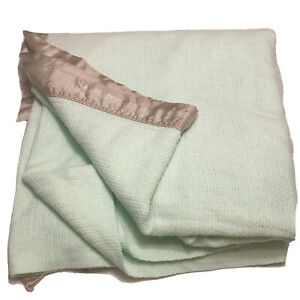 """Vtg Acrylic Waffle Weave Thermal Blanket Green With Brown Satin Trim 84""""x80"""""""