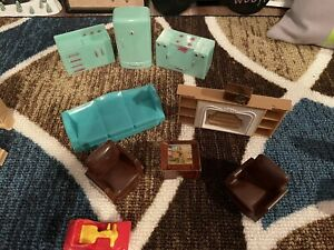 """LOT OF VINTAGE DOLLHOUSE FURNITURE FROM THE 1950""""S"""