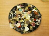 Mason Jar FILLED w/ BUTTONS! BUTTONS BUTTONS! (LOT)