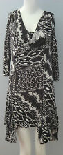 TERRA NOSTRA Black~White Size 8 3/4 Sleeves Asymmetrical Dress (Made in Canada)