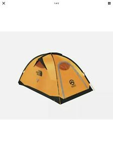 THE NORTH FACE ASSAULT  2 SUMMIT SERIES TENT  GOLD/ASPHALT GREY