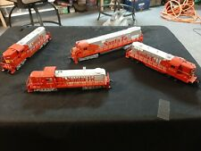 AHM HO SCALE VINTAGE SANTA FE DIESEL LOCO 4 PACK 3 DUMMIES AND ONE POWERED UNIT