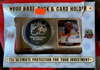 NHL KEITH JONES AUTOGRAPHED Signed PUCK PHILADELPHIA  FLYERS + CARD HOLDER 😎