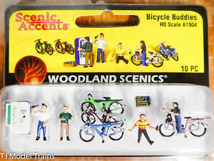 Woodland Scenics HO #1904 Bicycle Buddies (Painted) Plastic (1:87th Scale)