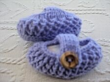 CUTE PAIR HAND KNITTED BABY SHOES in LAVENDER - 0-3 MONTHS (2)