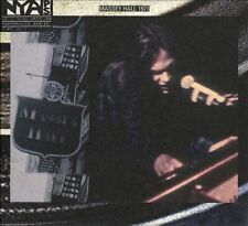 NEIL YOUNG - LIVE AT MASSEY HALL 1971 [CD/DVD] (NEW DVD)