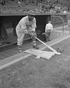 1946 AAA Montreal Royals Jackie Robinson in the Dugout 8 X 10 Photo Picture
