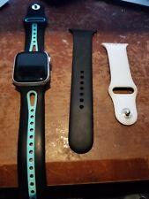 Apple Watch Series 4 40 mm silver Aluminum Case White Sport Band (MU642LL/A)