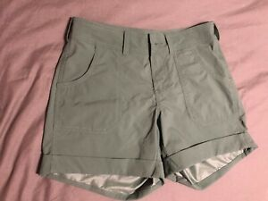 The North Face Women's Size 0 Duck Green Mapleton Shorts Quick Drying Cuffed NWT