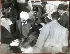 Press Photo, Crowds of Indians reading headlines of Gandhi's Death