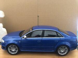 minichamps 1 18 Audi RS4 Blue