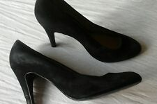 Nine west black suede court shoes in size,6.5