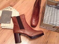 New🌹Clarks 🌹Orla Chelsea Boots Kiely Orla Dixie Brown Leather UK Size 8 (42EU)