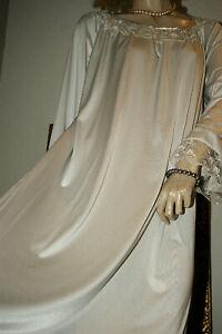 Prächtiges Satin Negligee * Nachtkleid Nylon silber Spitze anmutig M/L