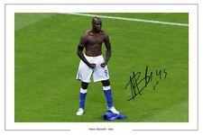 Mario BALOTELLI ITALIA signed autograph FOTO STAMPA POSTER Italia AUTOGRAFO