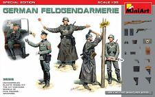 Miniart 1:35 German Feldgendarmerie WWII Era Figures Model Kit