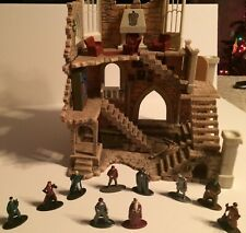 Harry Potter Gryffindor Castle Metal Nanofigs and Hogwarts Playset