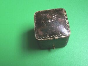 OLD LEATHER RING BOX , LOWSON OF SCARBOROUGH