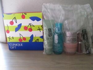 CLINIQUE 6 ITEM CHERRY PATTEREN BOX KIT, NEW, MINT!