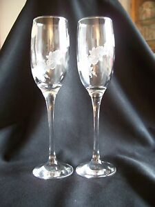 CRYSTAL Champagne Flutes with Roses -  283*