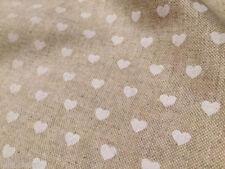 Tessuti e stoffe bianche per hobby creativi, tema amore e cuori