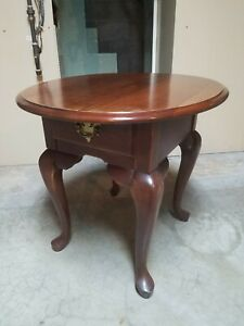 VINTAGE ANTIQUE SOLID WOOD CHERRY QUEEN ANNE ACCENT END TABLE WITH DRAWER