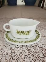 Vintage pyrex corning gravy boat with drip plate spring blossom crazy daisy