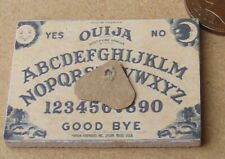 1:12 Scala 4cm x 3cm di Legno Ouija Spirit Tavola & Planchette Tumdee Dolls Casa