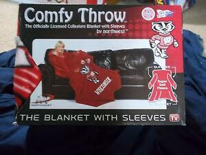 Wisconsin Badgers comfortable fleece throw blanket New 48'' x 71'' arms