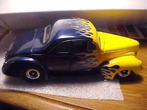 Danbury Mint 1:24 1940 Ford Custom Hot Rod Flames Diecast Car
