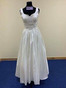 Wedding dress size 12 ivory satin code 384 size 12