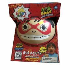 RYAN'S WORLD Big Mouth Collector Carry Case with Gobsmax Balls Launcher Toy