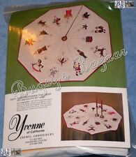 CHRISTMAS PARADE Crewel Embroidery Tree Skirt or Tablecloth Kit – Yvonne of CA