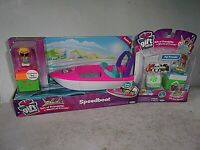 Jakks Pacific Gift 'Ems Speedboat with Exclusive Boy Captain & Pet Friends 2 pk