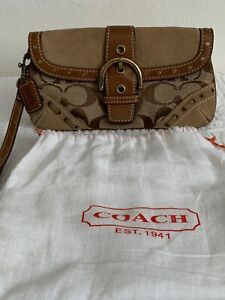COACH AUTHENTIC WALLET / WRISTLET 8 IN X 6 IN. , 1/2 INCH WIDE NEW without TAG