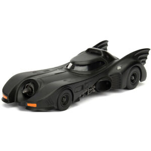 Batmobile Diecast Car with Batman 1989 Movie Version Figure 1:32 from Jada Toys