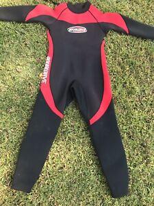 Aquawave Wetsuit Large Black Red