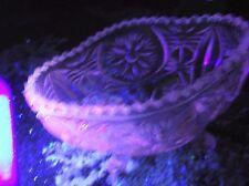 Vintage Verre Clair Ovale sucrier sur 4 ft (environ 1.22 m) très ouvragée Design Rose UV glow