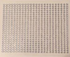750 Strasssteine Glitzersteine selbstklebend 3mm Farbe: weiß / silber