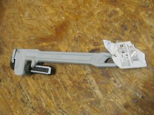 KOBALT 14 INCH ALUMINUM PIPE WRENCH 464648 ( LOT 3547)