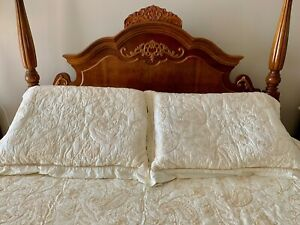 Charter Club Luxury Quilted Full/Queen Coverlet/Shams Set. Cream w Gold thread