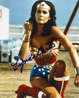 1970S *WONDER WOMAN* AUTOGRAPHED 8X10 LYNDA CARTER SIGNED REPRINT