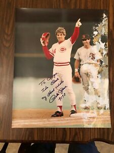 "PETE ROSE AUTOGRAPHED 16"" X 20"" POSTER - 4192 HIT"
