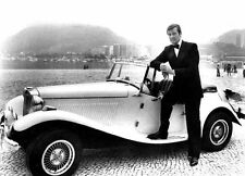 ROGER MOORE UNSIGNED PHOTO - 4255 - JAMES BOND
