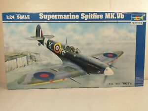 Trumpeter Supermarine Spitfire Mk.Vb 1:24 Model Kit ~ Open Box