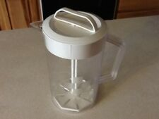 Pampered Chef 2 Qt.Quick Stir pitcher Checkerboard Pattern